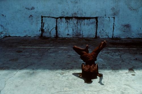 Miguel Rio Branco Salvador de Bahia 1984 Capoeira.jpg
