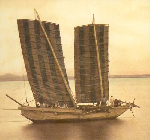 Felice Beato A Korean fishing junk with sails, May 1871.8.jpg