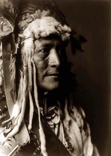 Edward S. Curtis White Duck, a Hidatsa Warrior 1908.jpg