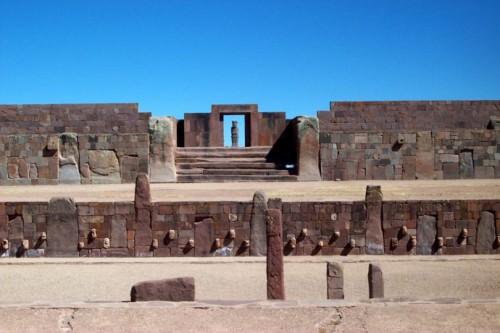 temple de Kalasasaya. VIé-XIé s  Bolivie.jpg