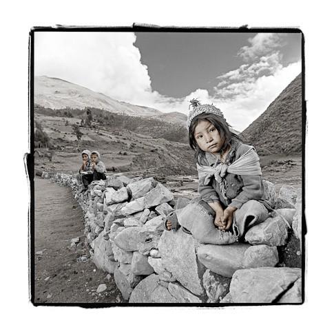phil borges Dimicia Quechua Pérou.jpg