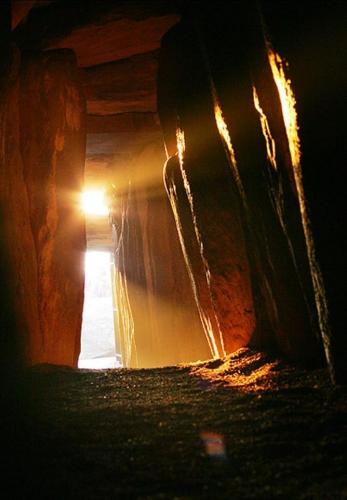 Alan Betson Solstice Newgrange .n.jpg