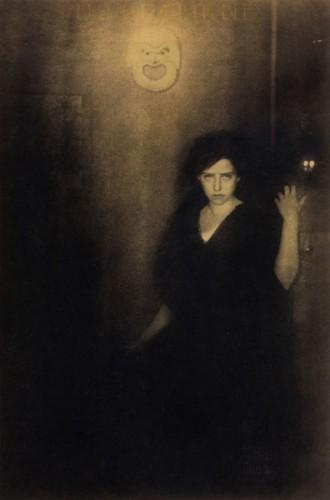 edward steichen Melpomene-Landon Rives, 1904-5.jpg