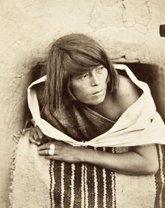 John K Hillers Zuni woman 1879.jpg