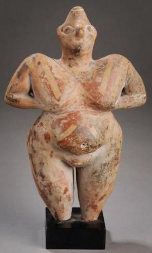 Déesse mère hacilar Anatolie  fin du néolithique, Chalcolithique,VIe millénaire av. J.-C. .jpg