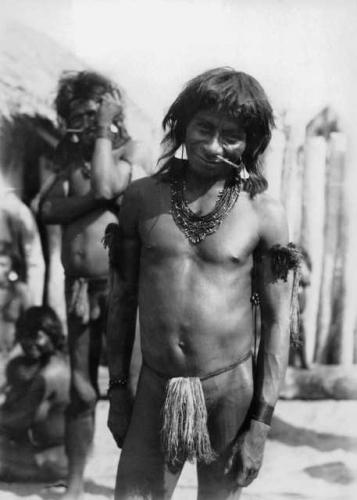 Claude Lévi-Strauss - chez les Nambikwara - Mato Grosso - Brésil - 1938 (3).jpg