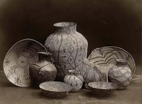 Edward S Curtis Nine Apache containers baskets, bowls, and jars. 1907.jpg
