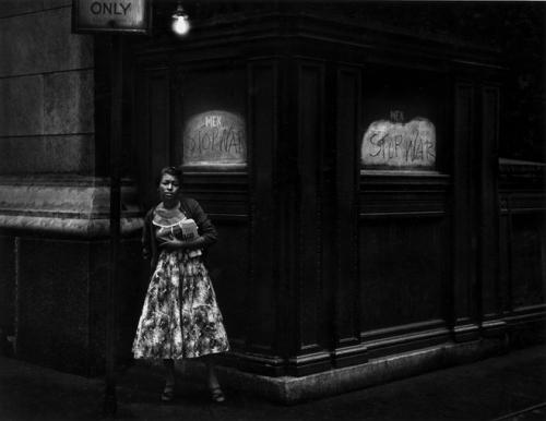 dave heath-Washington Square, New York, 1960.jpg