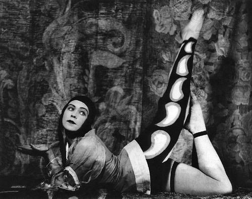 Alxander Grinberg Théâtre de Meyerhold, 1920s.jpg