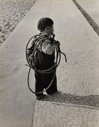Sabine Weiss Portugal 1954.jpg