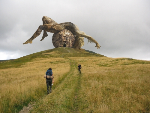 auteur anonyme monument of fallen god photo manipulation.jpg