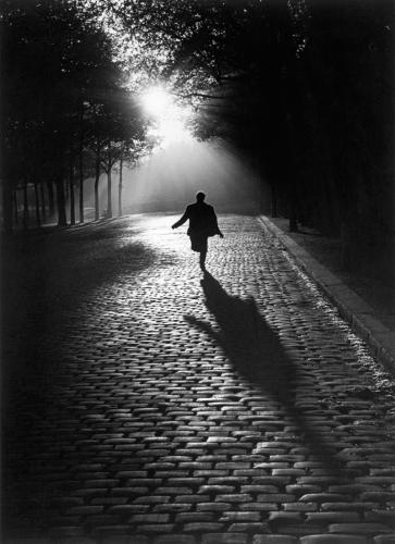 Sabine Weiss paris 1953.jpg