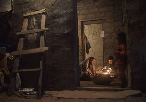 Abed Zagout Seeking heat Gaza.jpg