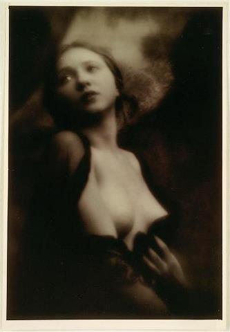 Alexander Grinberg -Portrait du femme, 1913-14.jpg