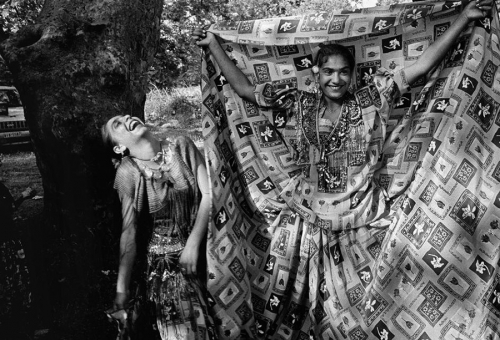 Nikos Economopoulos Euboea island. Gipsy girls dressed up for the feast of St. John. 1997.jpg