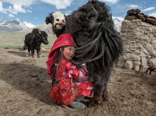 Matthieu Paley kyrgyz girls Pamir-afghanistan2.jpg