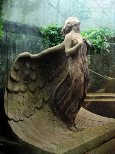 Angel – Warsaw cemetery, Poland.jpg