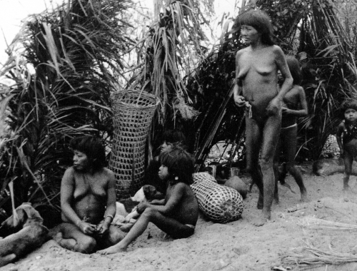 Claude Lévi-Strauss - chez les Nambikwara - Mato Grosso - Brésil - 1938 (1).jpg