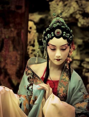 Feng Hai New garden fantasies. .jpg