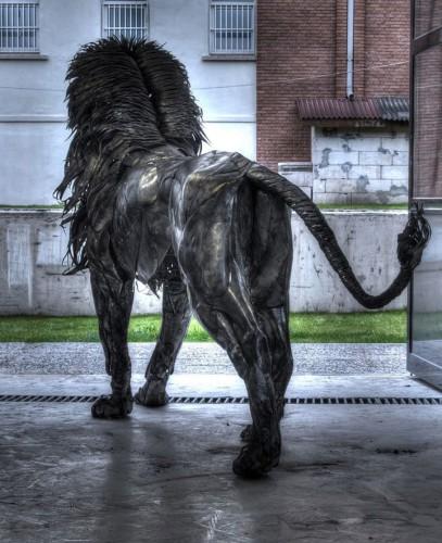 metal-lion-sculpture21.jpg