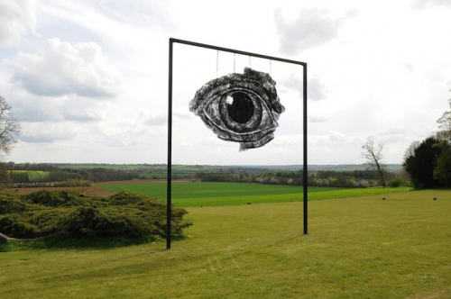 sophie ryder sculpture fil de de fer eye2-1.jpg