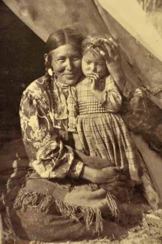 Sarcee Mom and Child, c.1900.jpg
