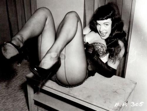 Irving Klaw Betty Page.jpg