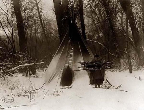 Edward S. Curtis Winter Crow camp 1908.jpg