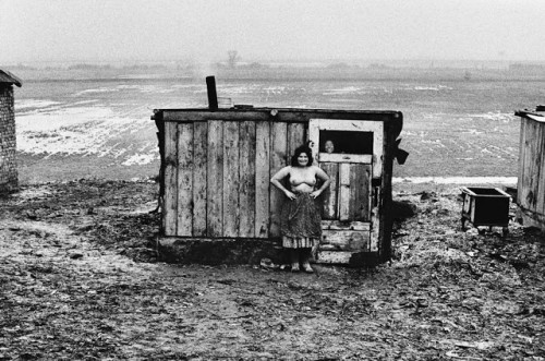 Josef Koudelka Life of Gypsies by (11).jpg