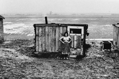 Josef Koudelka Life of Gypsies by (11).jpg