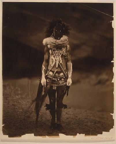 Edward Curtis Navaho Nayenezgani .jpg