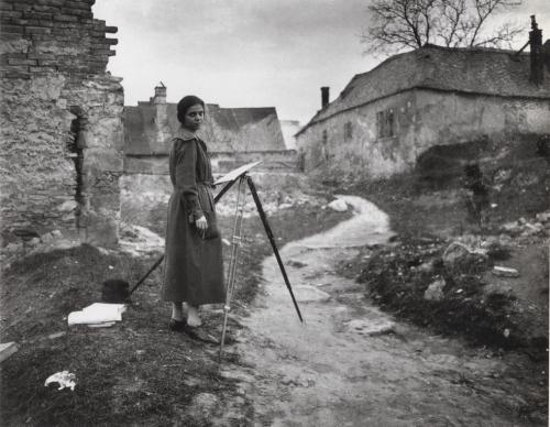 André Kertész Elisabeth, Dunaharaszti, Hungary 1920 .jpg