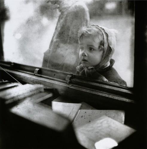 edouard boubat 1940's.jpg
