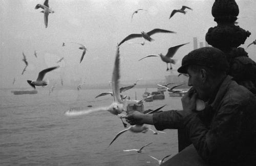 Sergio Larrain England. London. 1959. .png