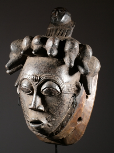 masque-africain-yoruba.JPG