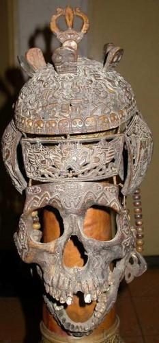 Masque de chaman Tibétain, réalisé à partir de pièces de crâne humain sculpté n.d.0.jpg