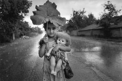 cristina-garcia-rodero-bajo-la-lluvia-1989.jpg