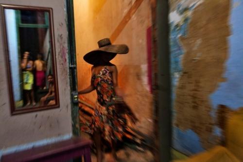 Ana Carolina Fernandes, Nathielle, Série Bodies and Souls, Rio de Janeiro, 2012 1.jpg