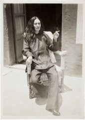 frida kahlo 1946-1.jpg