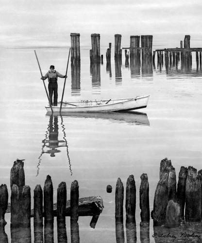A Aubrey Bodine-Oyster-Tonger 1948.jpg