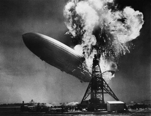 Sam Shere LZ 129 Hindenburg 6 mai 1937.jpg