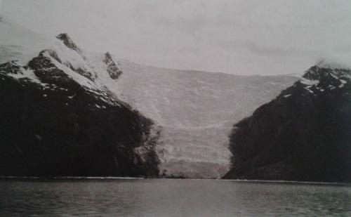 Martin Gusinde, Glacier de la cordillère Darwin, canal Beagle (territoire Yamana).jpg