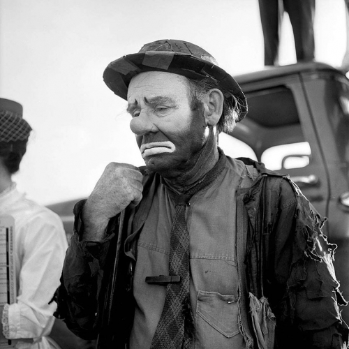 "Vivian-Maier-Emmett Kelly as the clown figure ""Weary Willie"".jpg"