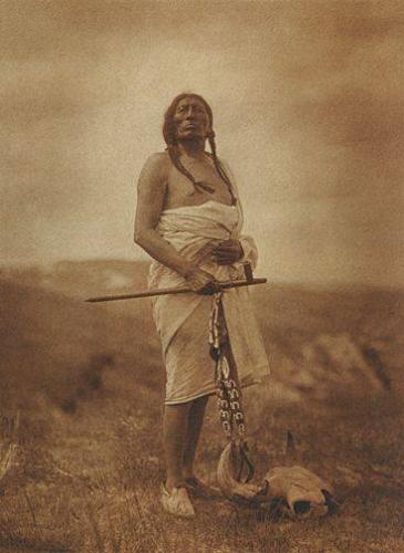 Edward S. Curtis Sioux medecine man_n.jpg