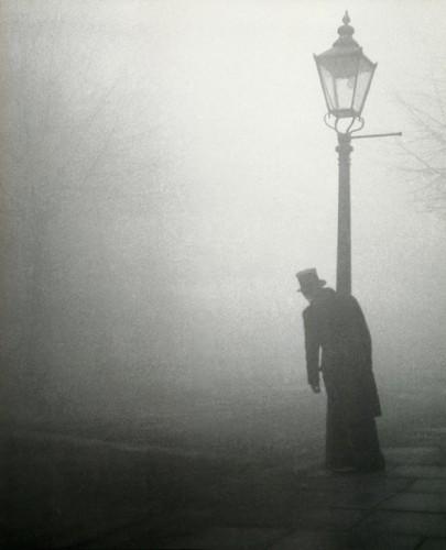 Bill Brandt London,1934.jpg
