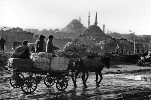 ara güler Istanbul 1950's peut être.jpg