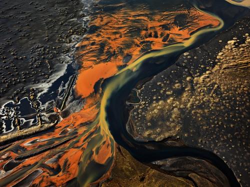 Edward Burtynsky, Eystri-Rangá River, Iceland, 2012,.jpg