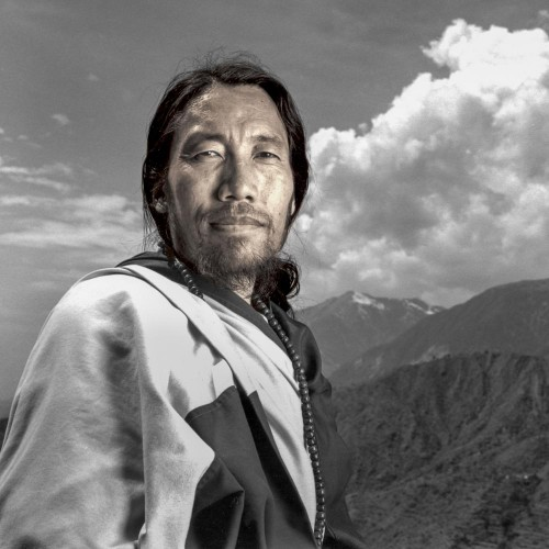 Phil Borges Tempe tibétain dhramsala Inde.jpg