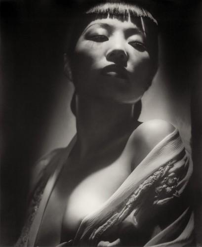 George Hurrell, Anna May Wong 1938.jpg