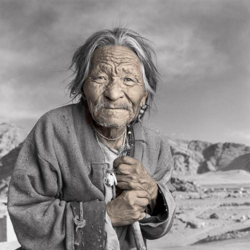phil borges Tseten tibétain ladakh9.jpg